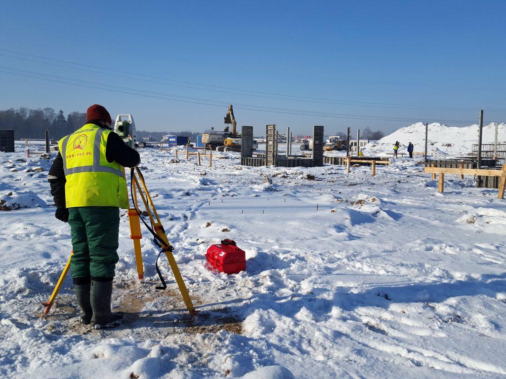 Usługi geodezyjne Żory podczas budowy Schutz