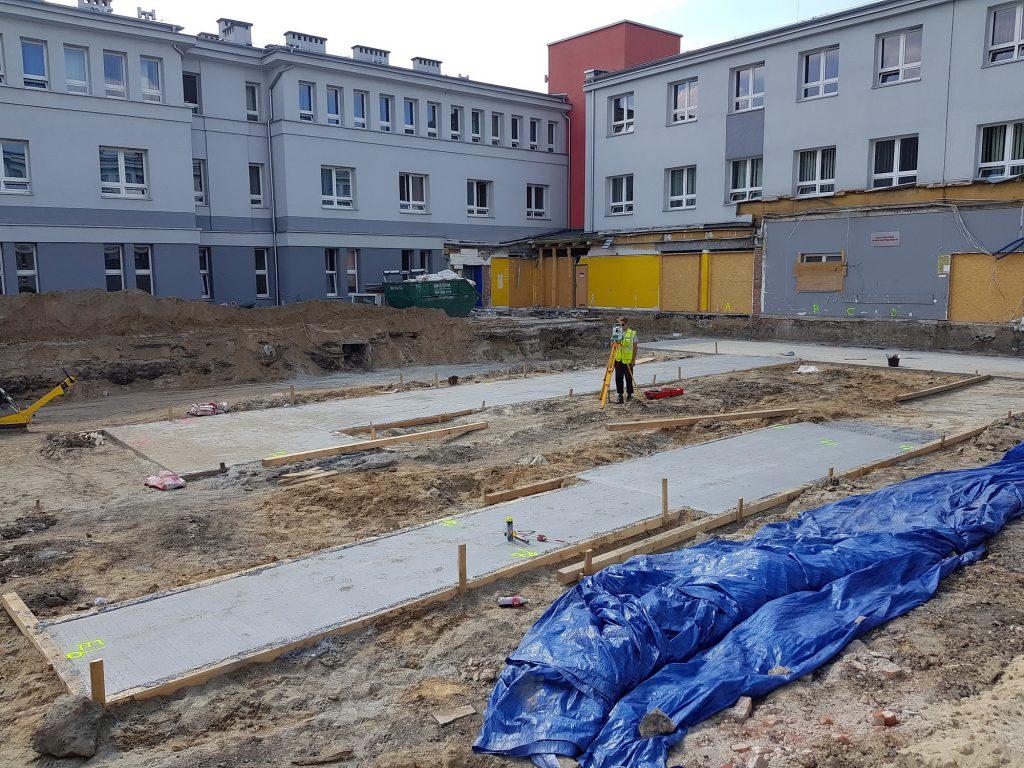Usługi geodezyjne w Zabrzu podczas budowy szpitala SOR